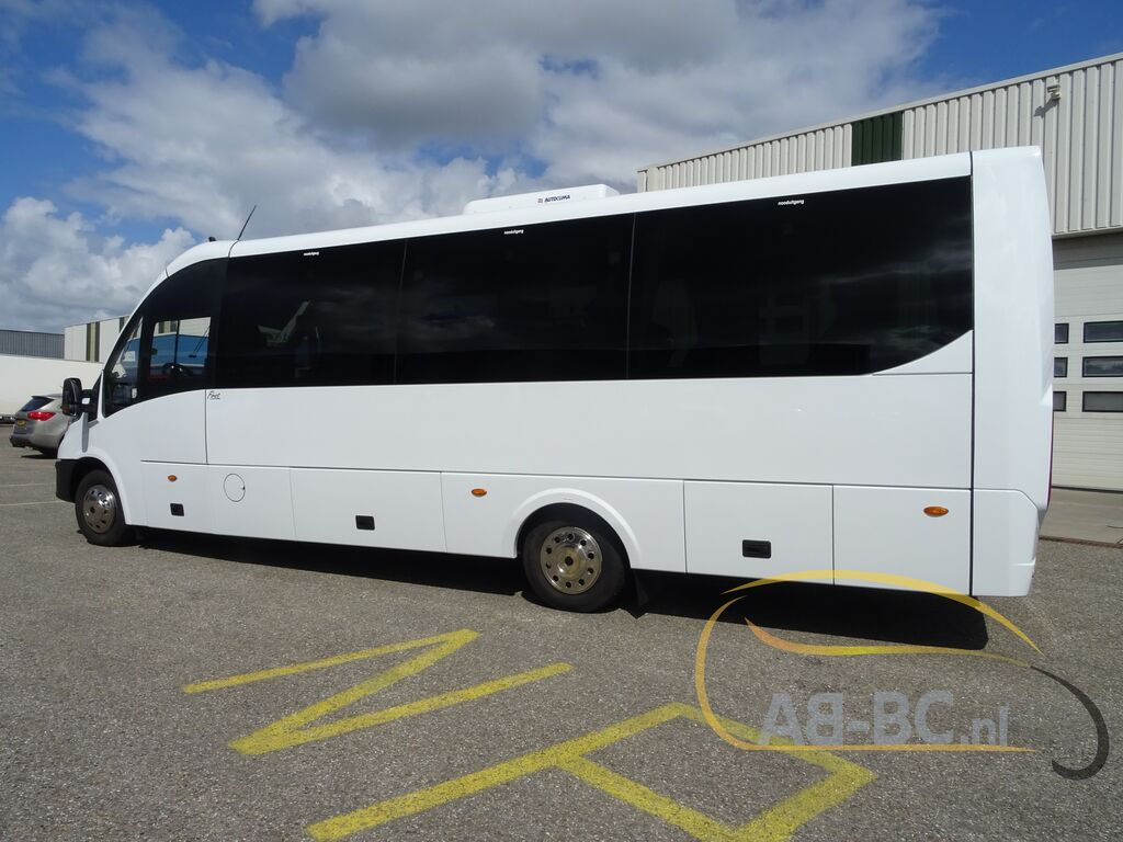 coach-busIVECO-Rosero-Tour-Model-XL-210-HP-31-SEATS---1594027758693899014_big--16102213264266916800