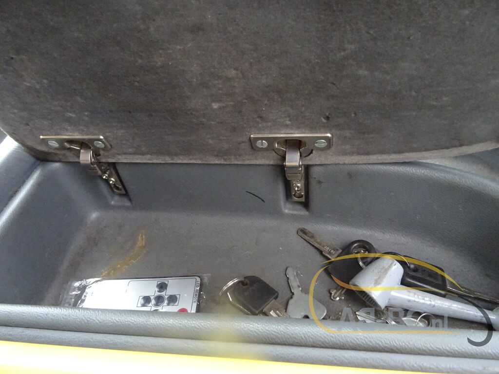coach-busVAN-HOOL-T915-Alicron-Liftbus-51-Seats---1599572826407399191_big--20090816430448390500