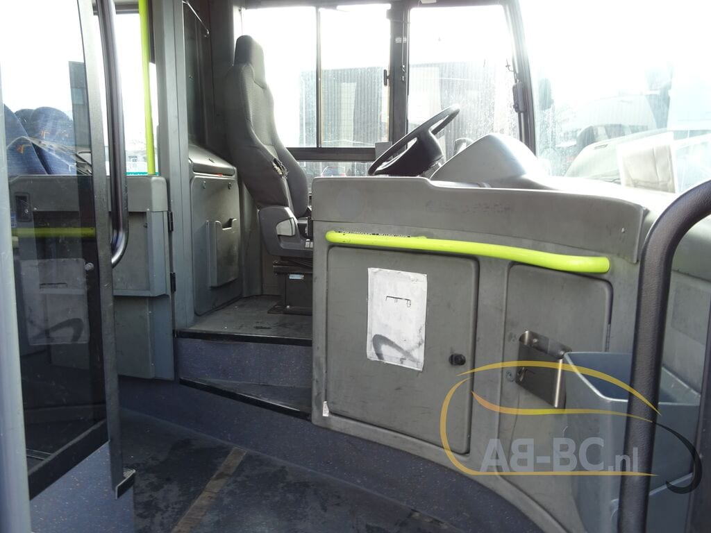city-busVAN-HOOL-A320---1594804359148622614_big--20021415203739208000