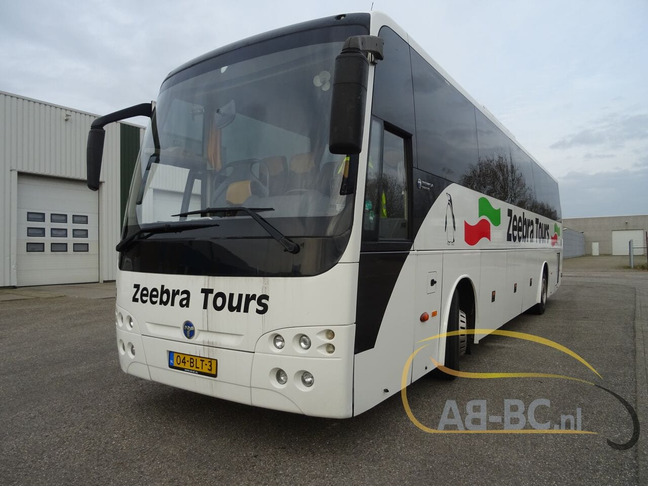 coach-busTEMSA-Safari-HD-51-Seats-EURO5-12-MTR---1614266346610346975_big_76b6ca850fa076b4c3cd06147820e7bf--19052917224730818200