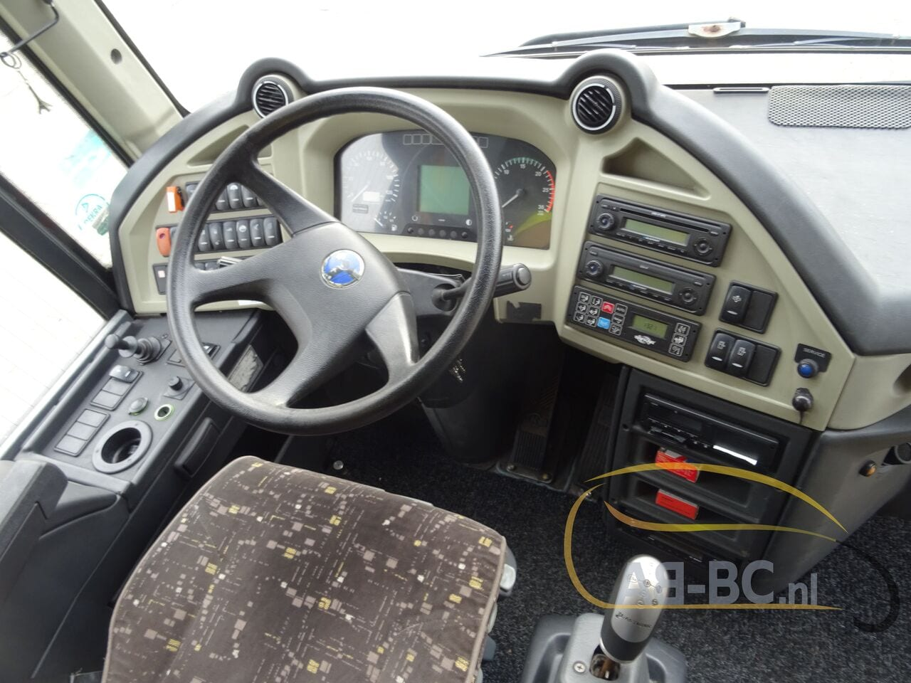 coach-busTEMSA-Safari-HD-51-Seats-EURO5-12-MTR---1614266490384152178_big_52bba553fe10335db143c6f85bcc0507--19052917224730818200
