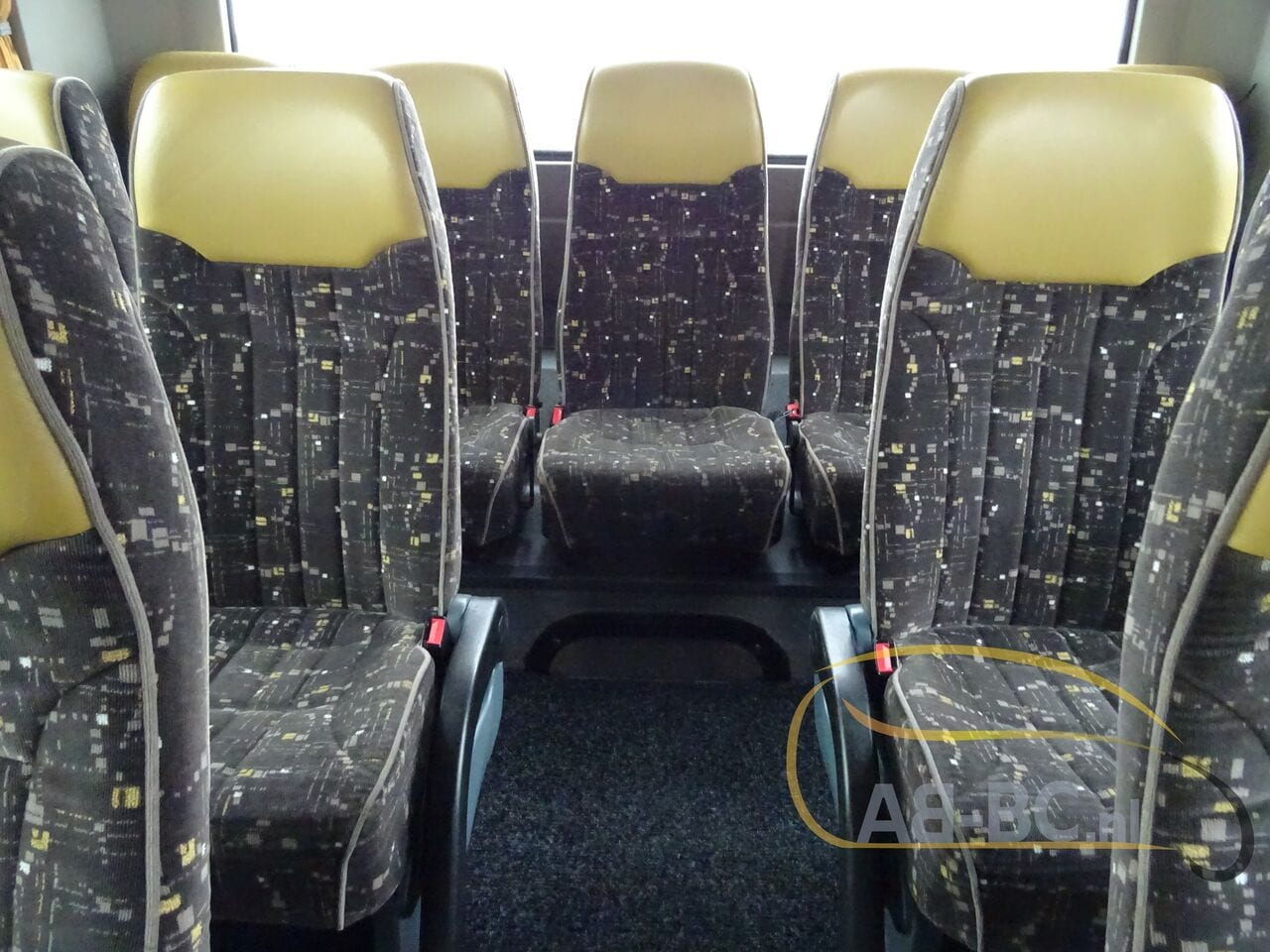 coach-busTEMSA-Safari-HD-51-Seats-EURO5-12-MTR---1614266654869721288_big_64a2b5e5afbaff7607899e9f5858572b--19052917224730818200