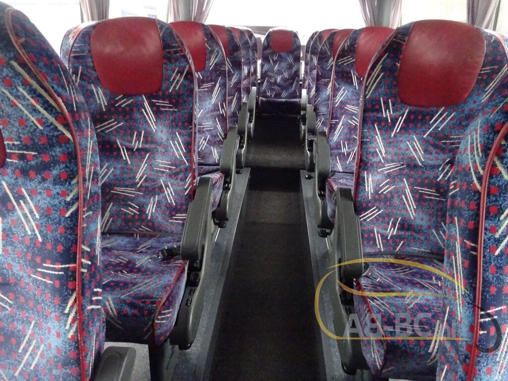 coach-busVAN-HOOL-T917-Altano---1606908177119552551_big--20120213132233820300