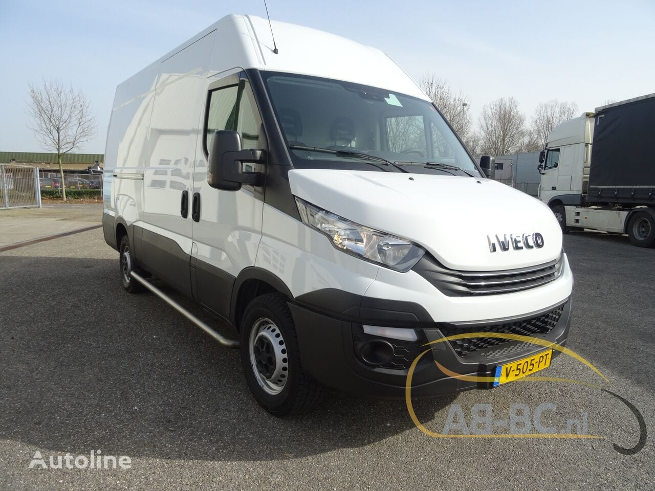 commercial-vehicle-closed-box-vanIVECO-Daily-35S12-EURO-6---1613998427117047362_big--20120217420418671900