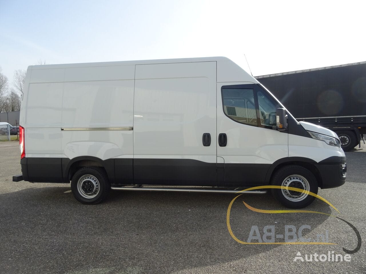 commercial-vehicle-closed-box-vanIVECO-Daily-35S12-EURO-6---1613998439981686122_big--20120217420418671900