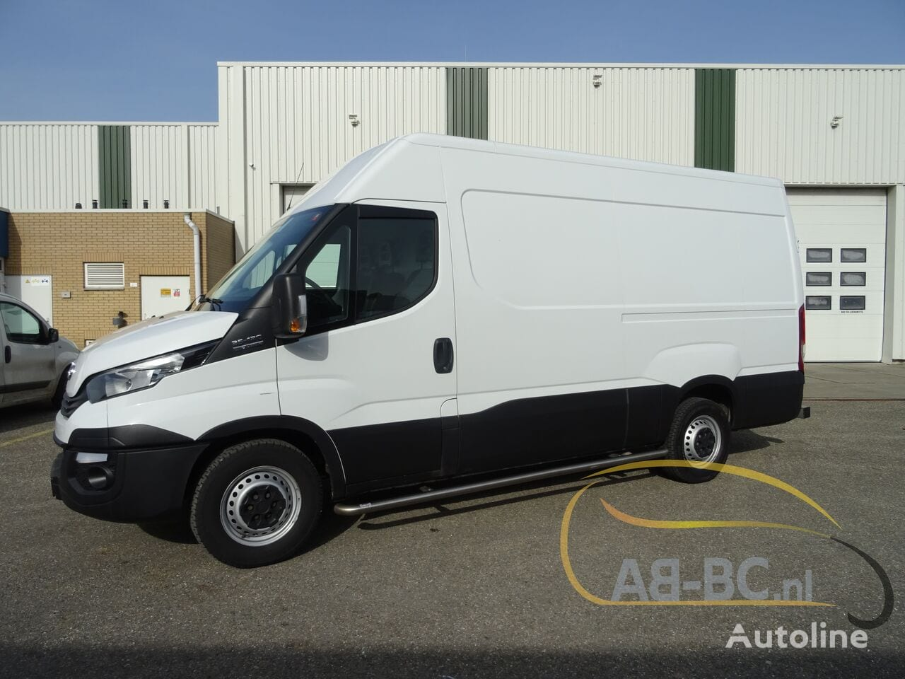 commercial-vehicle-closed-box-vanIVECO-Daily-35S12-EURO-6---1613998466217758841_big--20120217420418671900