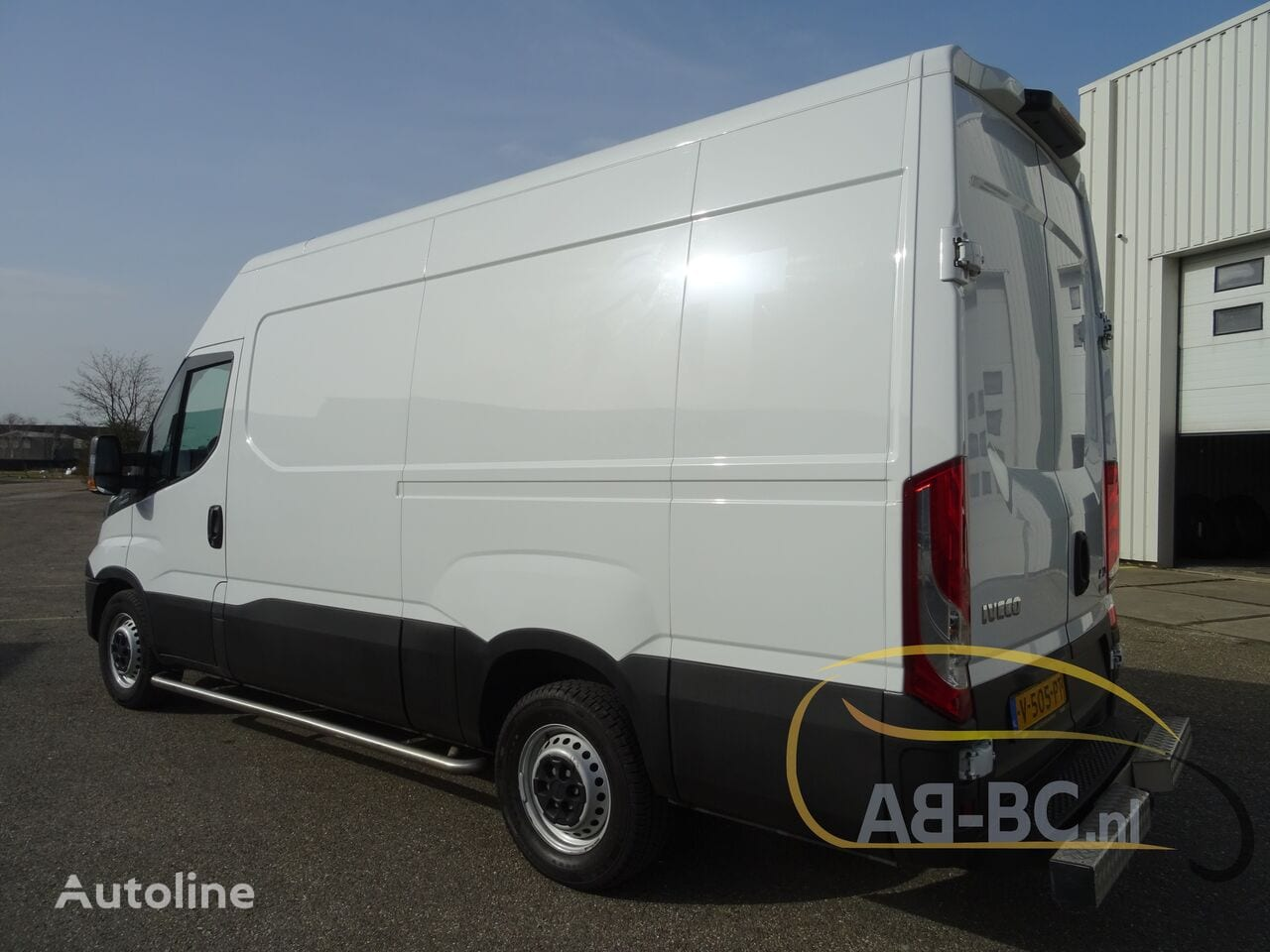 commercial-vehicle-closed-box-vanIVECO-Daily-35S12-EURO-6---1613998479783680615_big--20120217420418671900