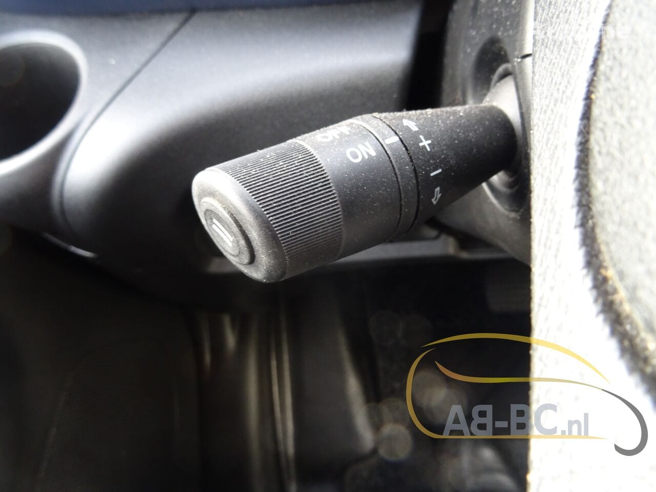 commercial-vehicle-closed-box-vanIVECO-Daily-35S12-EURO-6---1613998620815700078_big--20120217420418671900