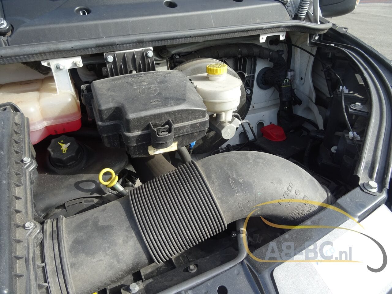 commercial-vehicle-closed-box-vanIVECO-Daily-35S12-EURO-6---1613998655092785312_big--20120217420418671900