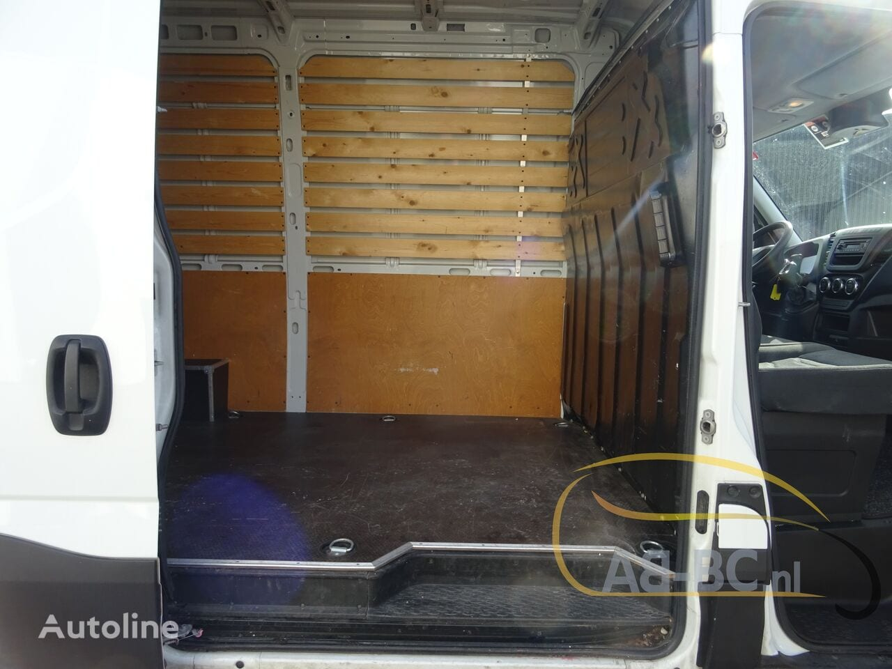 commercial-vehicle-closed-box-vanIVECO-Daily-35S12-EURO-6---1613998668741575889_big--20120217420418671900