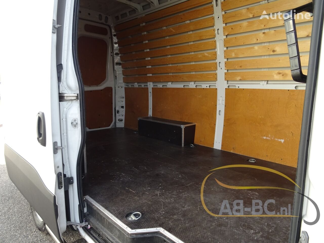 commercial-vehicle-closed-box-vanIVECO-Daily-35S12-EURO-6---1613998674991012202_big--20120217420418671900