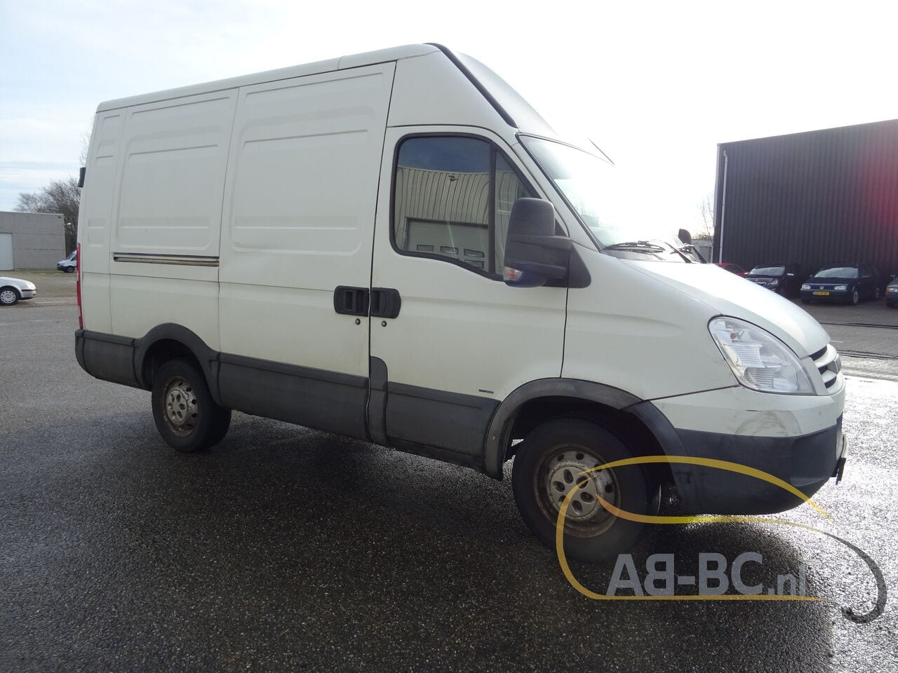 commercial-vehicle-closed-box-vanIVECO-Daily-35S18V-Automaat-180-PK---1613469740484924601_big--21021612014011202200
