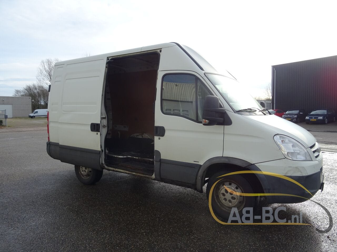 commercial-vehicle-closed-box-vanIVECO-Daily-35S18V-Automaat-180-PK---1613469767034065150_big--21021612014011202200