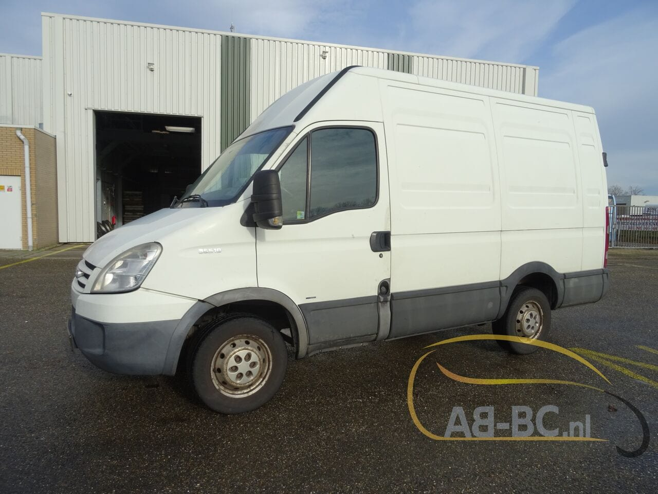 commercial-vehicle-closed-box-vanIVECO-Daily-35S18V-Automaat-180-PK---1613469795232131342_big--21021612014011202200