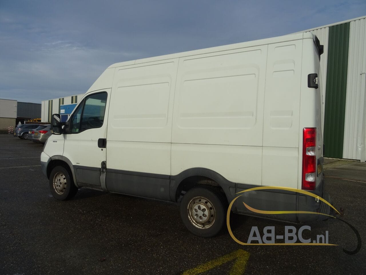 commercial-vehicle-closed-box-vanIVECO-Daily-35S18V-Automaat-180-PK---1613469813829378731_big--21021612014011202200