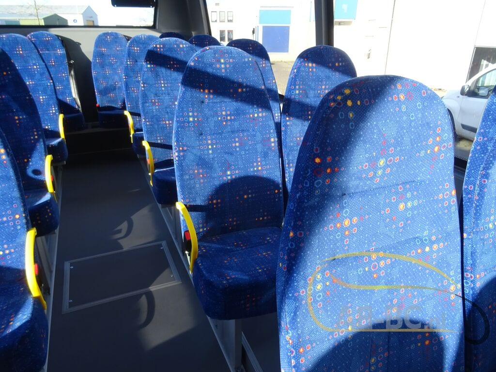 school-busIVECO-Rosero-First-Schoolbus-CNG---1584086202938376268_big--20031309511638369000