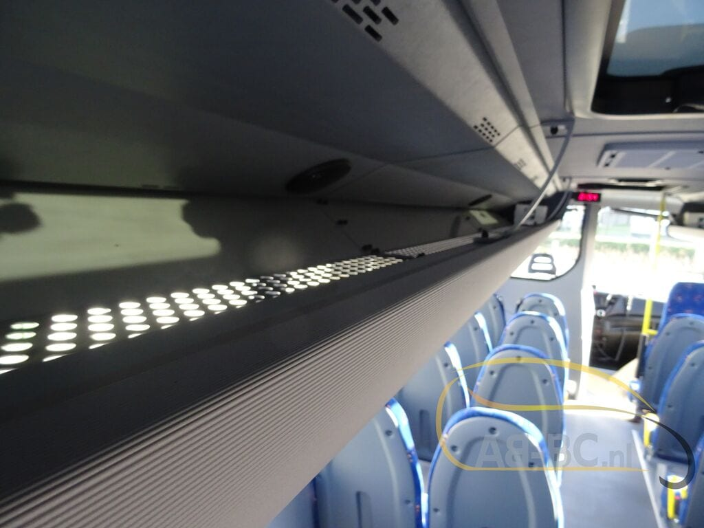 school-busIVECO-Rosero-First-Schoolbus-CNG---1584086243422938641_big--20031309511638369000