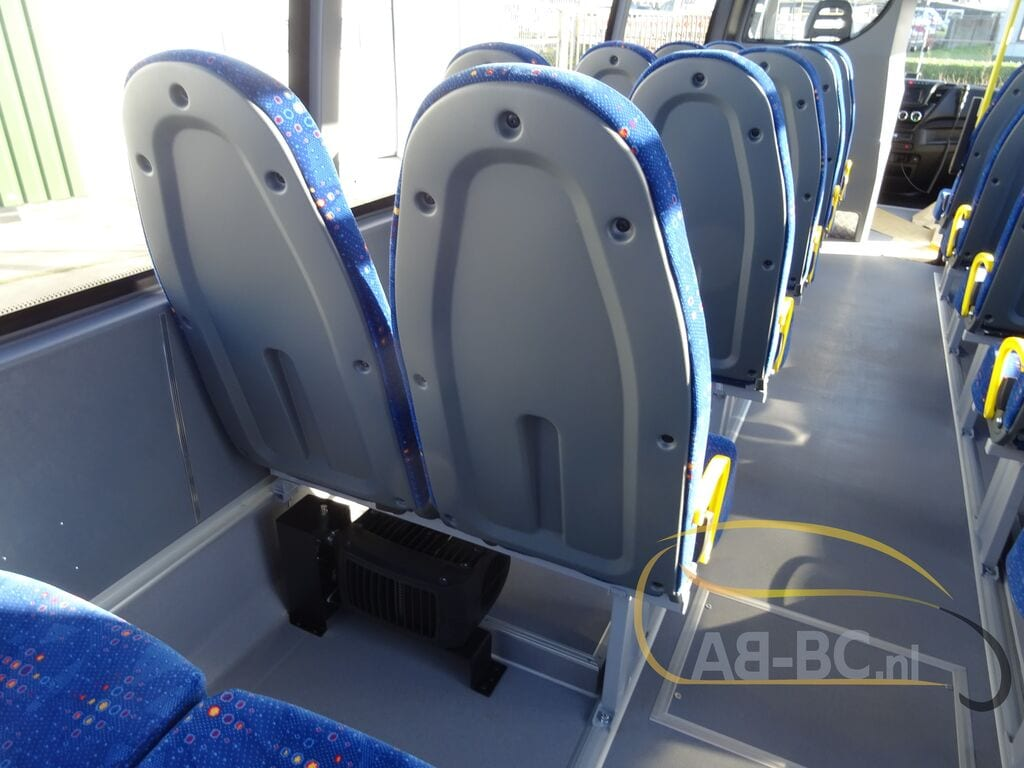 school-busIVECO-Rosero-First-Schoolbus-CNG---1584086267006800750_big--20031309511638369000