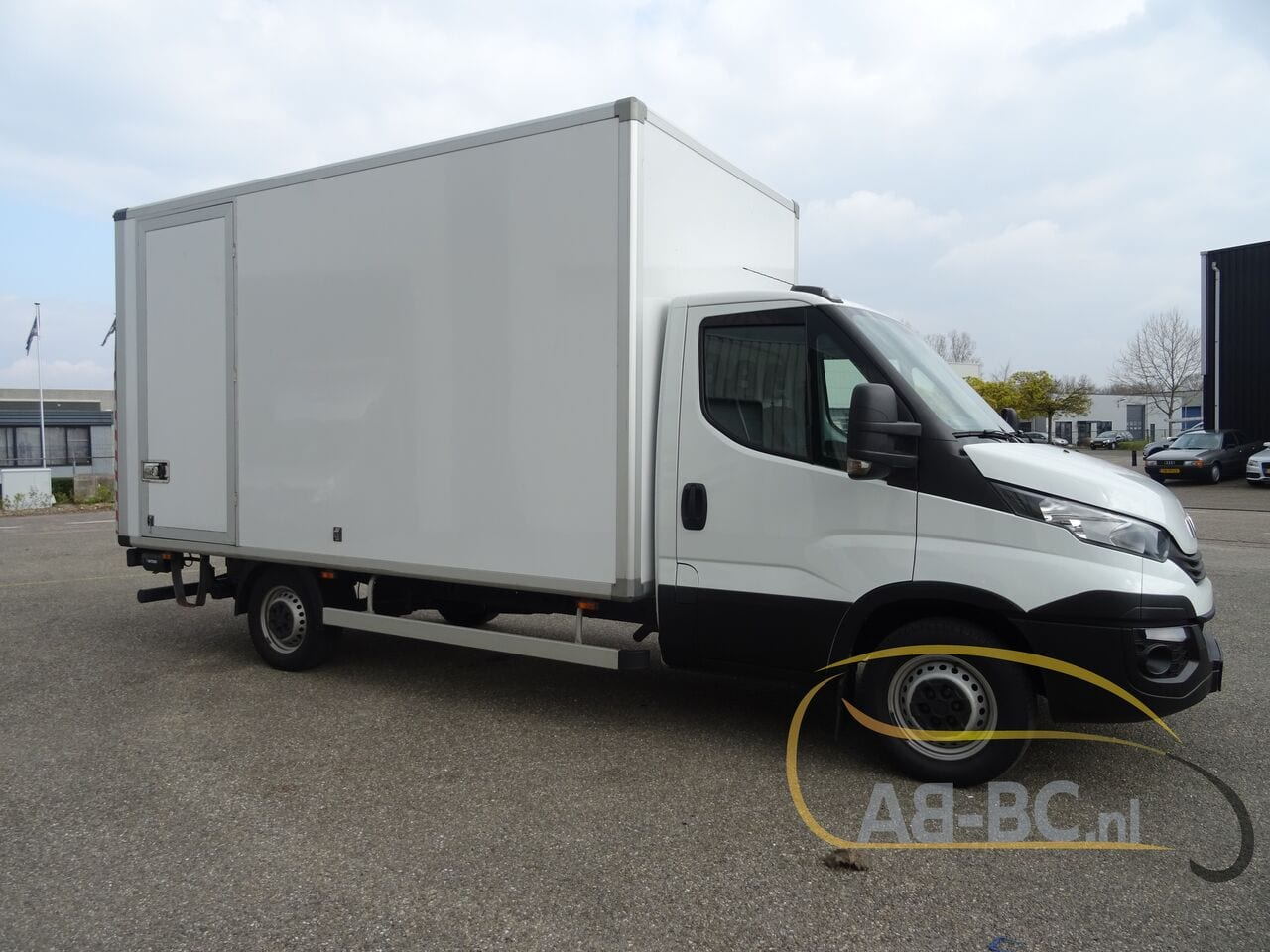 commercial-vehicle-box-truck-3-5tIVECO-Daily-35S14-EURO-6---1618841977882879457_big_55041604703023519e44ade02de34ae5--20081111411660340700