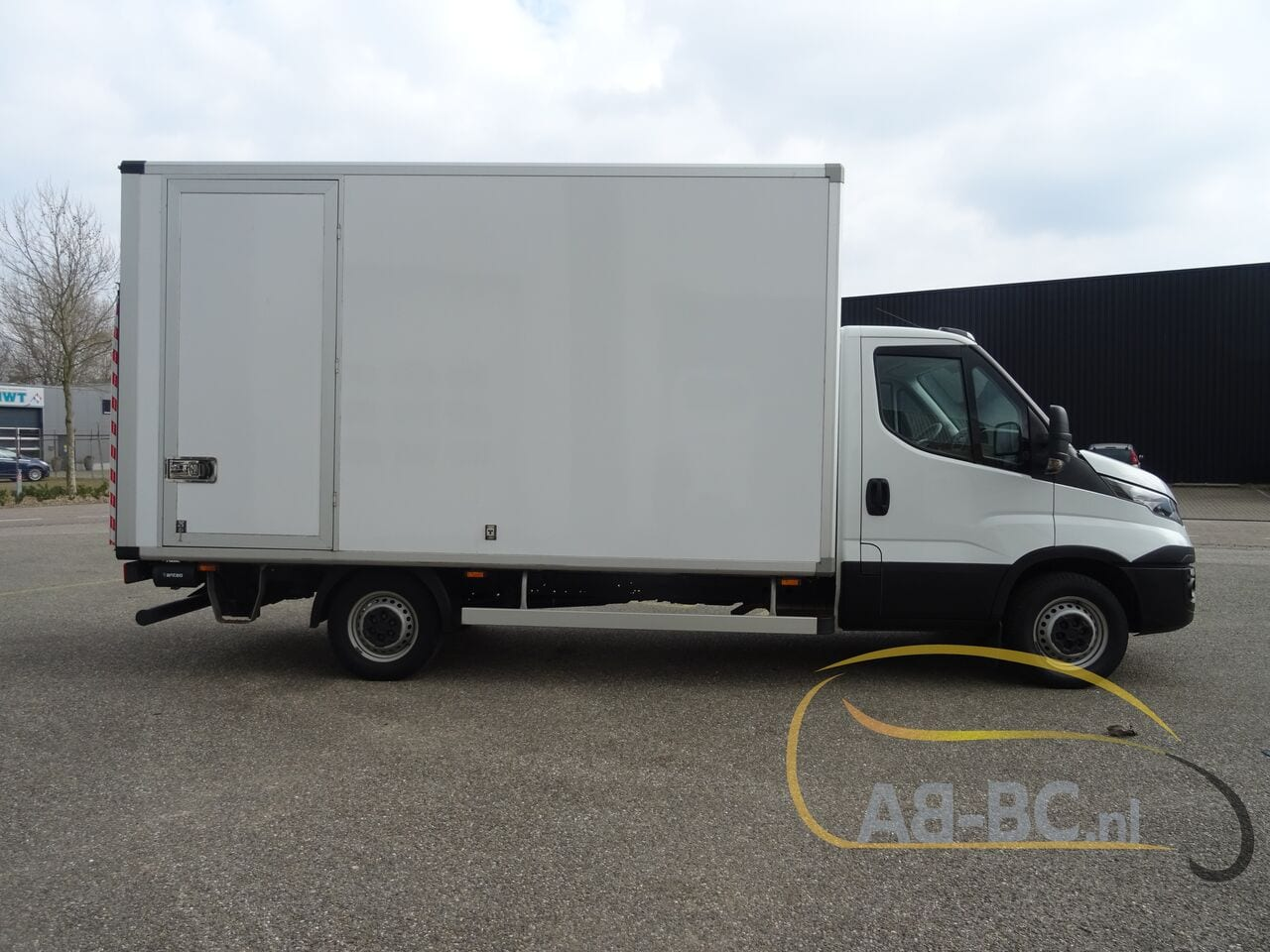 commercial-vehicle-box-truck-3-5tIVECO-Daily-35S14-EURO-6---1618841984949596910_big_61f8887efe795b6909e0a8e5c06ab665--20081111411660340700