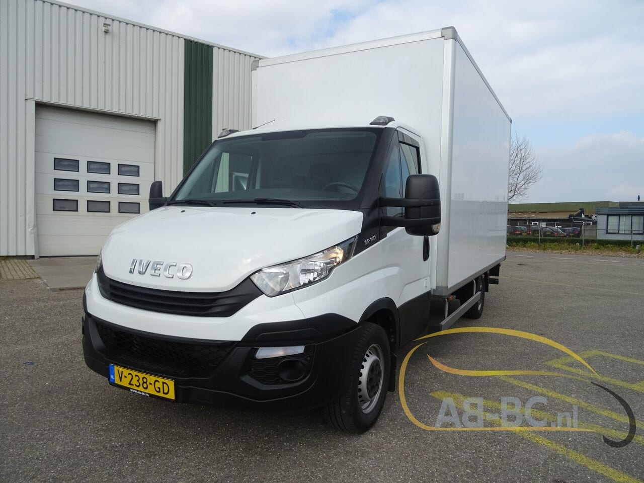 commercial-vehicle-box-truck-3-5tIVECO-Daily-35S14-EURO-6---1618842013541917201_big_fd85e21470f621b42bad91978d436f00--20081111411660340700