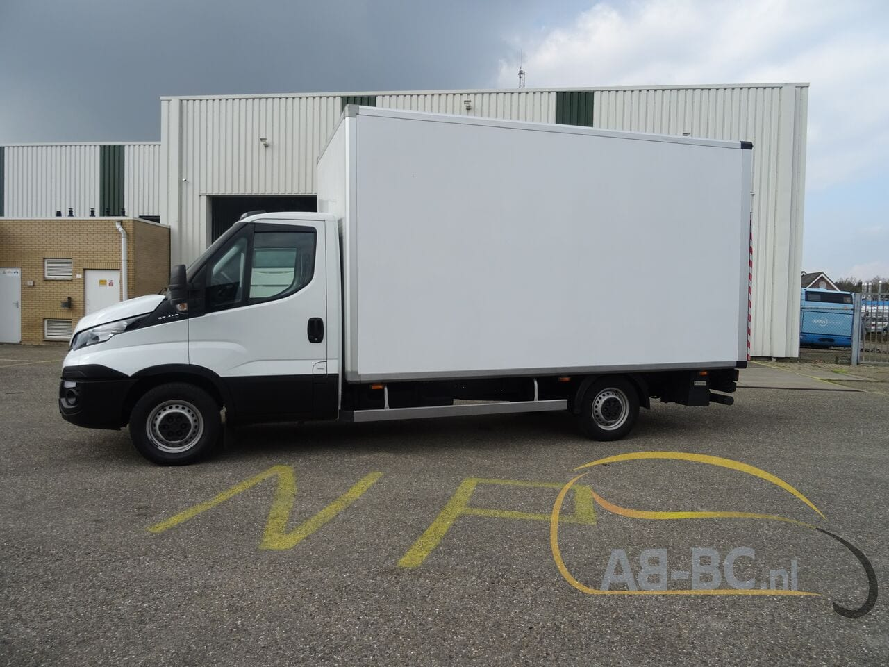 commercial-vehicle-box-truck-3-5tIVECO-Daily-35S14-EURO-6---1618842028848252846_big_2e3921a829c8547410dc98f813bedd39--20081111411660340700