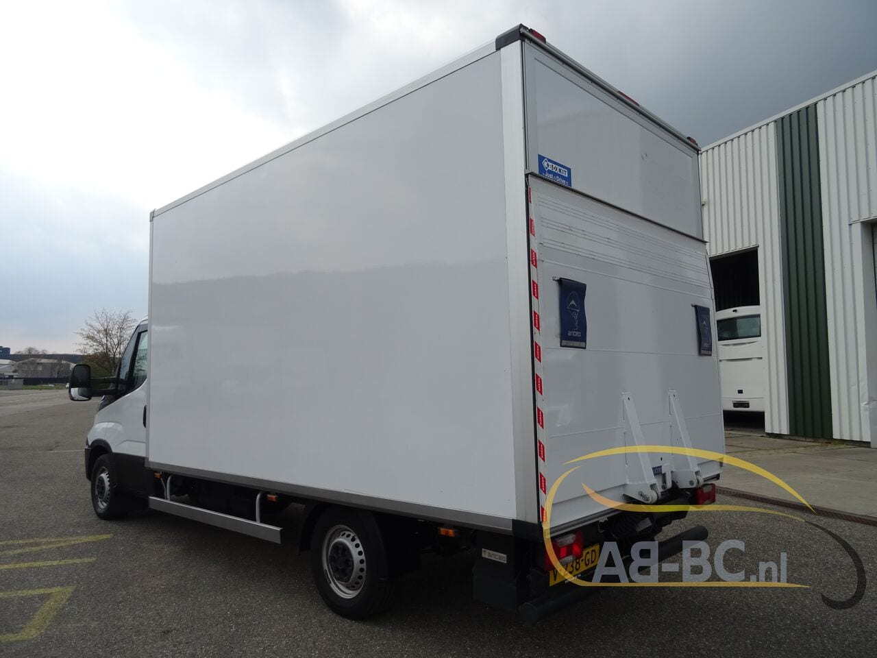 commercial-vehicle-box-truck-3-5tIVECO-Daily-35S14-EURO-6---1618842042241606169_big_165196a9cabc4eaf3eeac9e07614c66c--20081111411660340700