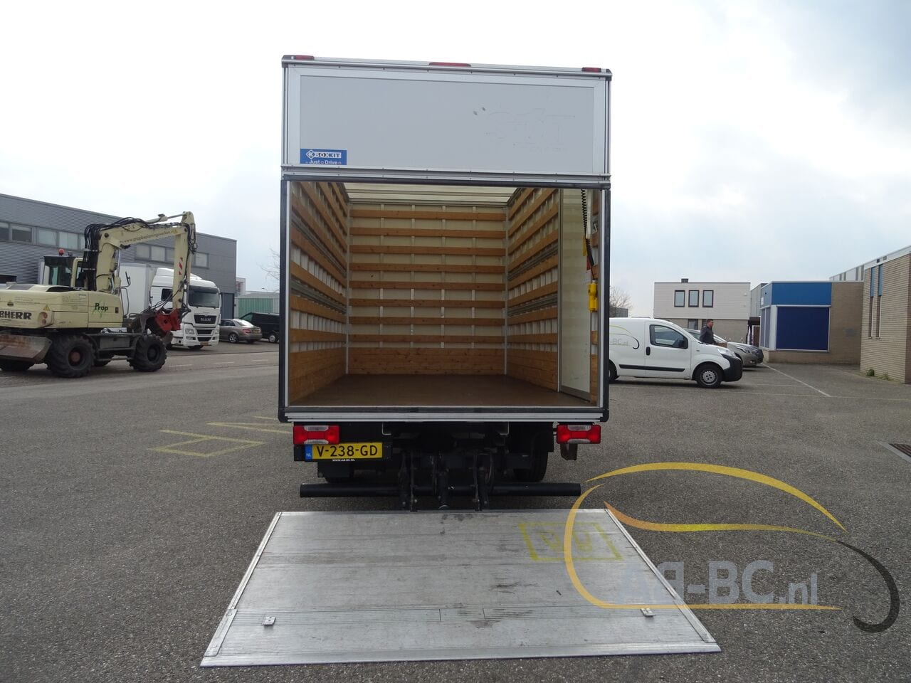 commercial-vehicle-box-truck-3-5tIVECO-Daily-35S14-EURO-6---1618842069266300455_big_d282a3d4e9a63570c376cd92ffee3157--20081111411660340700