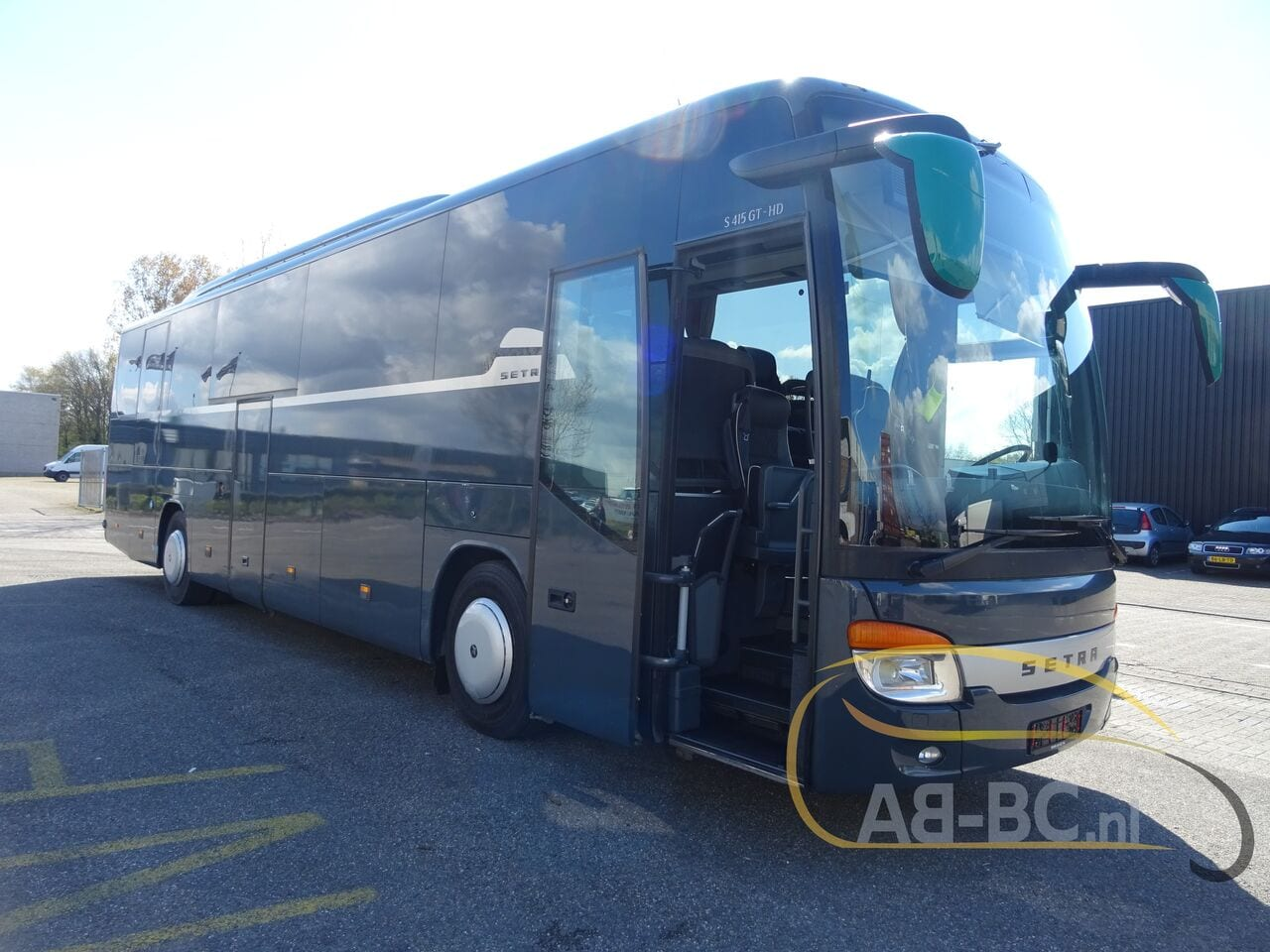 coach-busSETRA-S415-GT-HD-FINAL-EDITION-51-SEATS-LIFTBUS---1620381784802628093_big_e762b927c71430a82c54dd89c6af6728--21050713010665719300