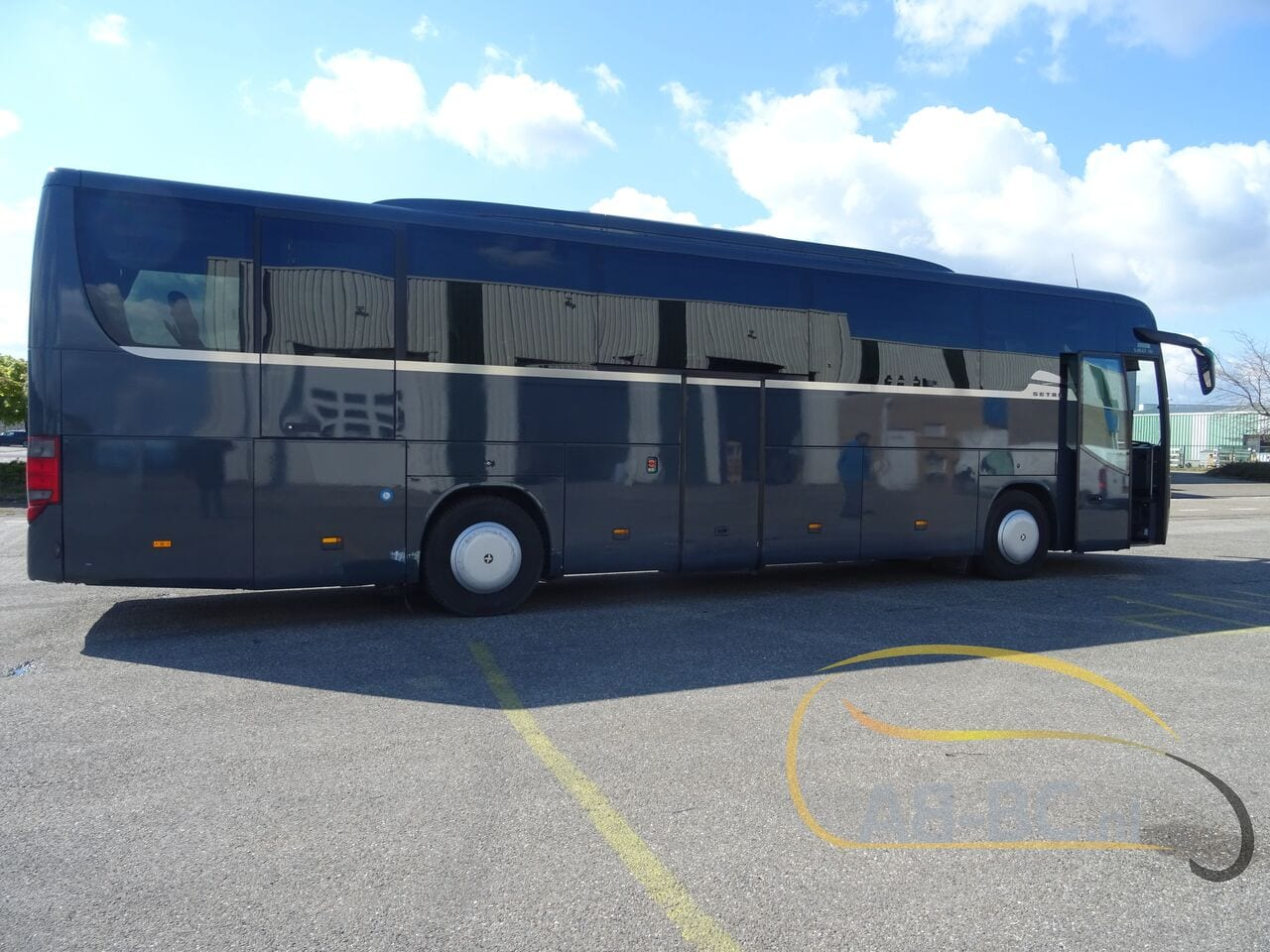 coach-busSETRA-S415-GT-HD-FINAL-EDITION-51-SEATS-LIFTBUS---1620381816320883783_big_8c61cba7d46cb09850fa3f14c83e44e0--21050713010665719300
