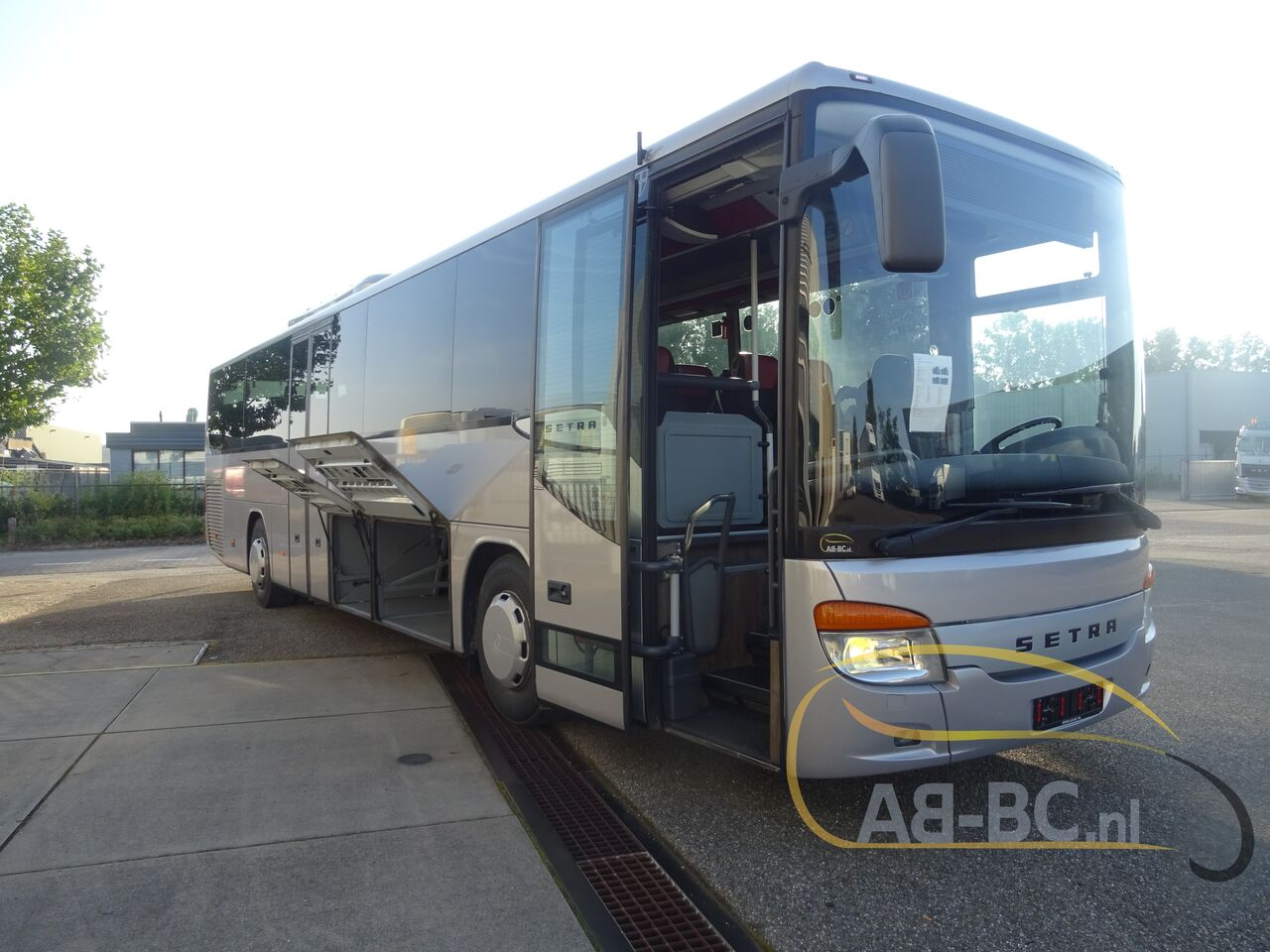 coach-bus-SETRA-S415H-52-Seats-EURO-6-Liftbus---1630913068743019276_big_1459cf7080978ad7b371548d4f11c3c9--21070517141280735500
